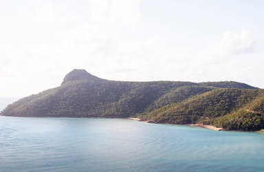 View from Passage Peak bushwalk of Catseye Bay as part of qualia resort experience
